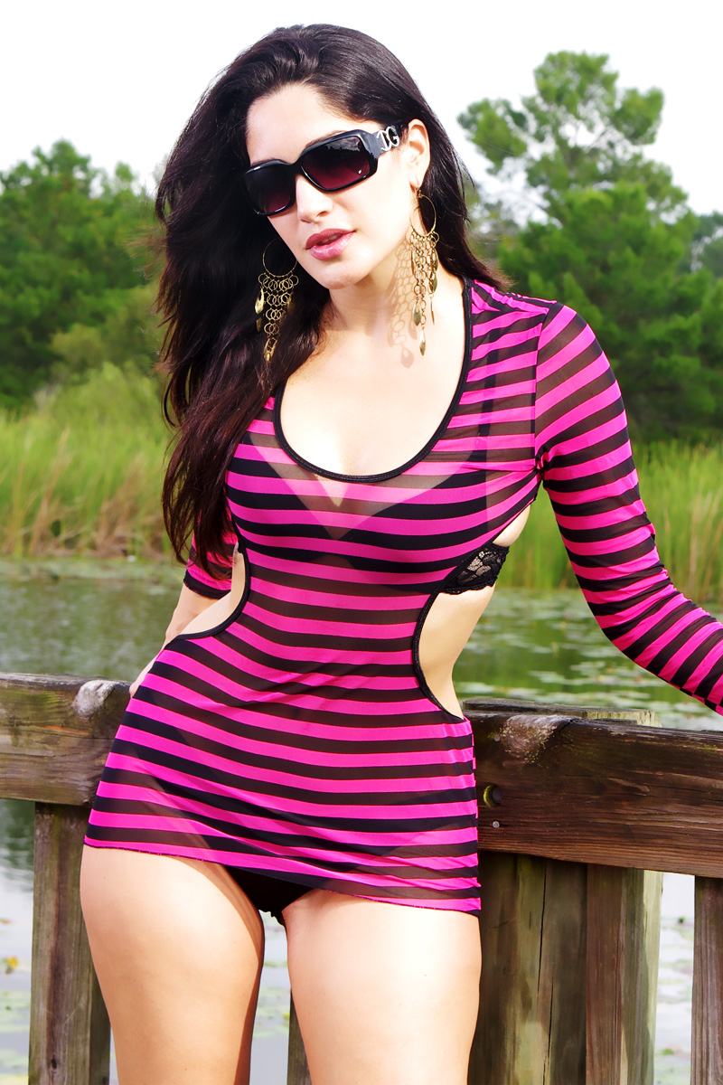 Pink and Black Mesh | One Size | Model: Heila